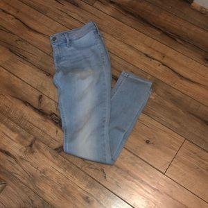Light Washed Jegging Jeans
